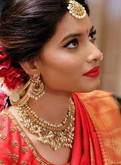"South Indian Bride Fashion ( ""Beautiful South Indian Bridal look South Indian Bridal Jewellery, Indian Bridal Fashion, Indian Bridal Makeup, Indian Wedding Jewelry, Bridal Jewelry, Gold Jewelry, India Jewelry, Jewelery, Indian Weddings"