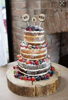 Naked Cake Sponge Fruit Layers Log Pretty Natural Floral Barn Wedding looks delicious Perfect Wedding, Our Wedding, Dream Wedding, Wedding Ideas Uk, Natural Wedding Ideas, Wedding Details, Wedding Cake Designs, Wedding Cake Toppers, Wedding Cake Rustic