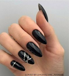 Simple And Elegant Acrylic Short Nails For Spring And Summer - Vida Joven French Manicure Gel Nails, Glitter Gel Nails, Pointy Nails, Manicure Y Pedicure, Toe Nails, Striped Nail Designs, Elegant Nail Designs, Striped Nails, Almond Nails Designs Summer
