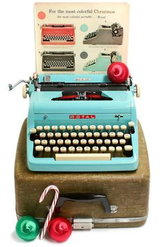 This 1957 Royal Quiet DeLuxe typewriter, in excellent to near perfect condition, comes in a beautiful all original turquoise color. Beginning in 1955,