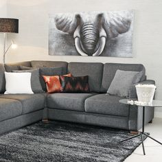 Leffailta! 🎥🍿Kulmasohvalle mahtuu koko perhe. Malli: Torino Vaihtoehdot: kulmasohva, 3-istuttava vuodesohva, 2-istuttava sohva, rahi, tv-tuoli Jälleenmyyjä: Asko-liikkeet  #pohjanmaan #pohjanmaankaluste #käsintehty