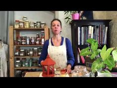 Une super recette de peinture naturelle : la peinture à l'oeuf - YouTube Annie Sloan, Voici, Crafts, Art, Creative Crafts, Furniture, Objects, Bricolage, Art Background