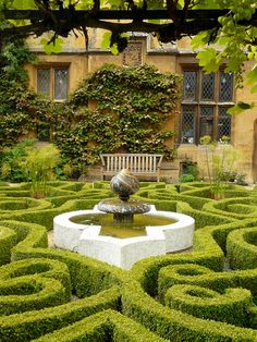 """The Knotted Garden - Sudeley Castle, Winchcombe, Gloucestershire, England. """"Donwell Abbey"""" in the 1996 version of """"Emma,"""" with Kate Beckinsale Parks, Gardens Of The World, Famous Gardens, Wars Of The Roses, Castle House, Garden S, Beautiful Gardens, Amazing Gardens, Topiary"""