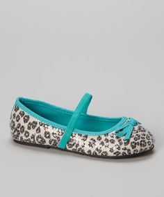 Give sweet feet a little wild style with these fashionable flats. Glittering sequins give them a sassy shimmer, while darling bows for dancing toes provide plenty of polish for a fun, fabulous pair.