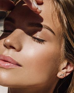 great highlighter - style | beauty & makeup - glow - glowing - natural - contouring - sun - tan - sunlight - fashion - photography - pretty