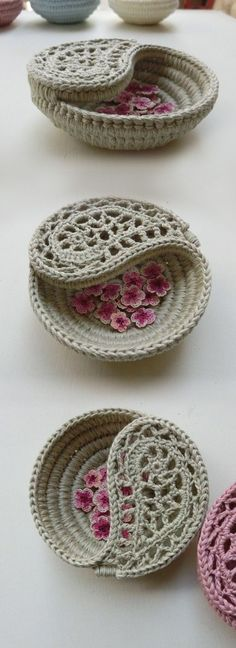 Yin yang jewelry dish as a ring bearer pillow alternative or a bridesmaid gift. pattern by goolgool. 4 Yin yang jewelry dish as a ring bearer pillow alternative or a bridesmaid gift. pattern by goolgool. Crochet Bowl, Crochet Basket Pattern, Love Crochet, Crochet Gifts, Diy Crochet, Crochet Baskets, Crochet Basket Tutorial, Simple Crochet, Holiday Crochet