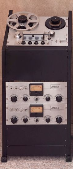 The greatest Ampex 351 Tape Machine page Fi Car Audio, Audio Music, Recorder Music, Cassette Recorder, Tape Recorder, Hifi Audio, High End Hifi, High End Audio, Recording Equipment