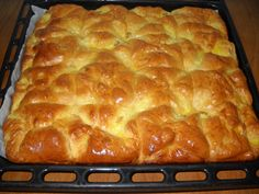 Romanian Desserts, Romanian Food, Pastry And Bakery, Pastry Cake, Serbian Recipes, Romanian Recipes, Cake Cookies, Yummy Cakes, Hot Dog Buns