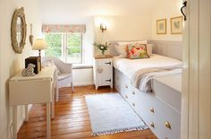 - First floor: Single bedroom with 3' bed
