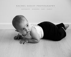 Simplistic posing + beautiful light = Natural Organic Portraits Brisbane queensland baby newborn photographer www.racheleasleyphotography.com.au