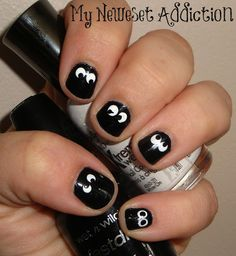 It's never too early to begin preparing for halloween! {Halloween Nail Art: Spooky Eyes}