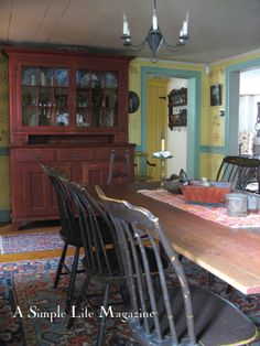 Long Kitchen, Kitchen Dining, Dining Rooms, Primitive Kitchen, Life Magazine, Country Decor, Cool Kitchens, Colonial Decorating, Dream Houses