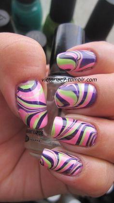 nice contrasting, yet complementary water-marble Fancy Nails, Love Nails, How To Do Nails, My Nails, Style Nails, Diy Nail Polish, Nail Polish Designs, Cute Nail Designs, Fabulous Nails