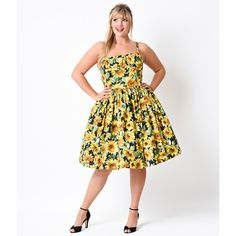 Plus Size 1950s Style Yellow Sunflowers Paris Cotton Swing Dress ($158) ❤ liked on Polyvore featuring dresses, yellow, yellow dress, white dress, white swing dress, retro dress and trapeze dress