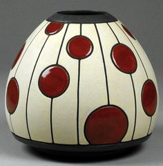 Red and white vase with dot pattern. Cut out dots vase. Red and white vase with dot pattern. Ceramic Decor, Ceramic Clay, Ceramic Painting, Ceramic Vase, Pottery Painting Designs, Pottery Designs, Pottery Vase, Ceramic Pottery, Vase Rouge