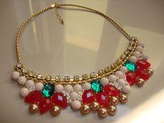 maxi colar com flores vermelhas em pedras de alta qualidade! com detalhes em strass. Arrase!...