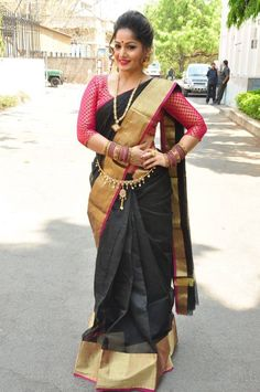 Madhavi Latha Navel Show Photos In Black Saree