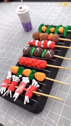 Cute Polymer Clay, Cute Clay, Polymer Clay Miniatures, Polymer Clay Charms, Diy Clay, Doll Crafts, Diy Doll, Clay Crafts, Diy Lace Ribbon Flowers