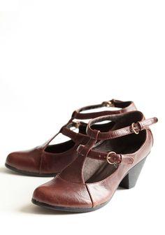 Maiden T-strap Heels In Cognac