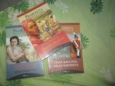 HAY! Welcome to Jogja, tiga buku Pram. Midah selesai, tersisa dua lainnya. Hayuk, ah!
