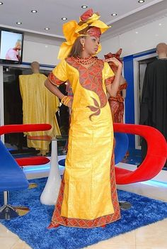 Robe féminine avec broderie par NewAfricanDesigns sur Etsy