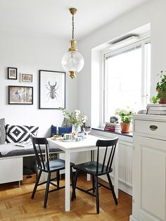 Lovely dining corner with Ikea 'Melltorp' dining table Dining Corner, Dining Nook, Dining Room Design, Dining Table, Decorating Small Spaces, Decorating Ideas, Small Space Living, Kitchen Decor, Sweet Home