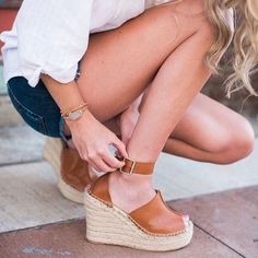 Stuff sandals along with cork bottoms are warmer climatic conditions footwear apparel facts. Shoes Heels Wedges, Wedge Shoes, Sandal Heels, Women's Sandals, Sock Shoes, Shoe Boots, Mode Style, Me Too Shoes, Fashion Shoes