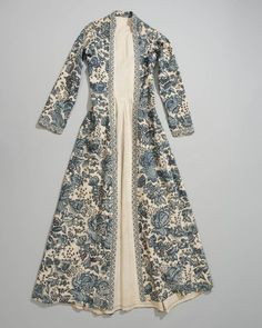 c. 1750-1800, Wentke (overdress) from the town of Hindeloopen, Netherlands. Made of Indian chintz in various shades of blue on white, lined with linen. ....via Royal Library, National Library of the Netherlands: