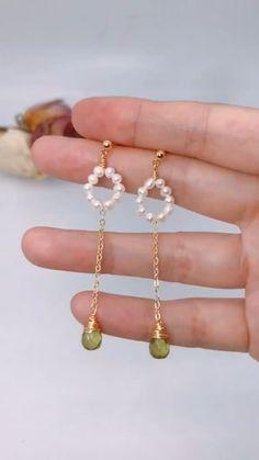 Wire Jewelry Designs, Handmade Wire Jewelry, Jewelry Patterns, Jewelry Ideas, Earrings Handmade, Jewelry Crafts, Jewelry Bracelets, Vintage Jewelry, Diy Jewelry Rings