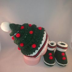 Check out this item in my Etsy shop https://www.etsy.com/listing/261917929/christmas-gift-knitted-hatknitted