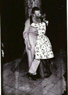 Embrassade by Jean Depara - Pigozzi Collection 2014 - Contemporary African Art Collection Interacial Love, Interacial Couples, Black Woman White Man, Black And White Love, Black Women, Mixed Couples, Cute Couples, Interracial Marriage, Interracial Art