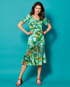 Magazin Schnitt Kleid in Wickeloptik 06/2021 #107A Couture, Fashion Boutique, Summer Dresses, Style Magazin, Inspiration, Sewing, Products, Vestidos, Business Dresses