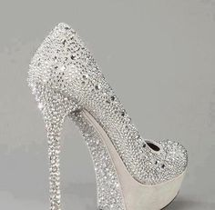 cinderella bridal heels- These look like something my daughter would wear she loves bling Pretty Shoes, Beautiful Shoes, Cute Shoes, Me Too Shoes, Fancy Shoes, Awesome Shoes, Shoe Boots, Shoes Heels, Stiletto Heels