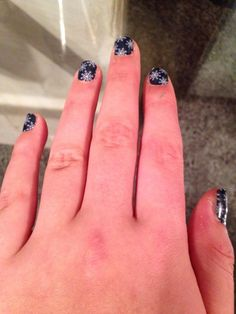 May not be snowing anywhere but here at momanddom.jamberrynails.net