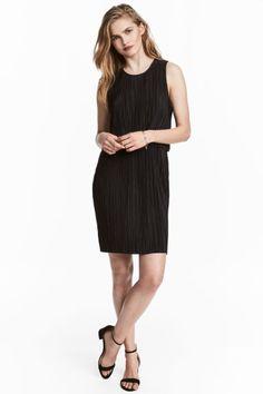 Pleated dress - Black - Ladies | H&M