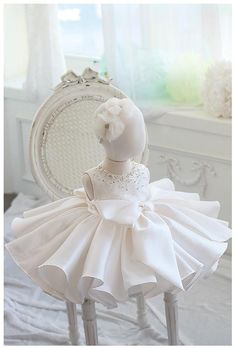 Buy Candy Color Round Neckline Sleeveless Knee Length Pearl & Crystal Applique Little Girl Ruffle Dress With Big Bow Front at GIRLYSHOP.NET. Free Shipping! Kids Pageant Dresses, Dresses Kids Girl, Little Girl Dresses, Outfits Niños, Cute Swag Outfits, Kids Outfits, Girls White Dress, White Flower Girl Dresses, Baby Girl Fashion