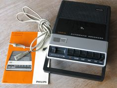 Vintage PHILIPS Mono Cassette player/recorder Model N2218