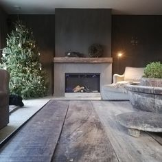 My home during christmas season Accent Wall, Decor, Sweet Home, Color Inspiration, Home Decor, Belgian Style, Wabi Sabi, Fireplace, Interior Decorating