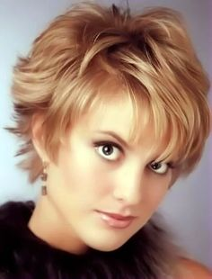 short parted hair style image 12.
