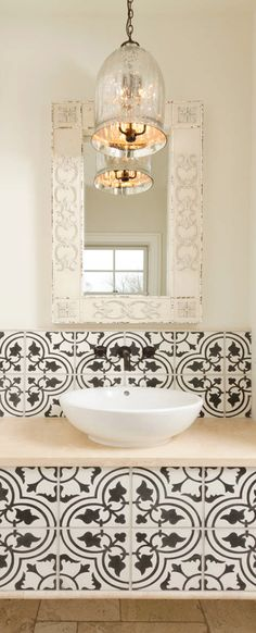 Mediterranean powder room Old World, Mediterranean, Italian, Spanish & Tuscan Homes & Decor