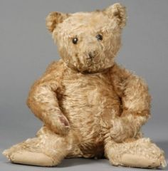 antiquetrader.com (The world's rarest vintage teddy bears.) *Look at this old fella! What I wouldn't give to start another collection with him! He has definitely seen lots of love over the years! <3