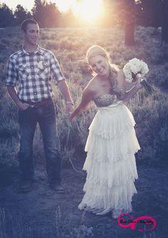 LOVE THIS POSE! Jaime Davis Photography: Kate + James Married!!! | Burgin Ranch | Bend Oregon Wedding Photography