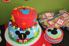 Cake and Smash Cake at Mickey Mouse Party #mickey #cake