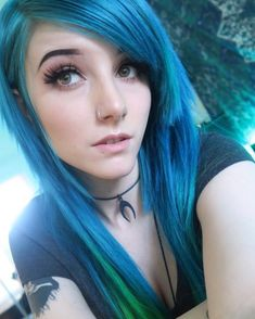 May she have 😳😍 - May she have 😳😍 The Effective Pictures We Offer You About hair tutorial A quality picture ca - Emo Scene Hair, Emo Hair, Goth Beauty, Hair Beauty, Chica Heavy Metal, Cute Emo Girls, Alex Dorame, Scene Girls, Dye My Hair