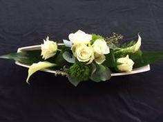 Arrangement de fleurs All Saints Mika - Arrangements de Deco Floral, Arte Floral, Floral Design, Arrangements Ikebana, Fall Arrangements, Grave Flowers, Floral Centerpieces, Calla Lily, Flower Crafts