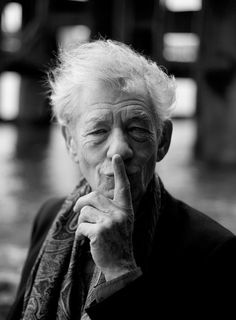 Wonderful portrait of a talented actor Ian McKellen Illuminati, Looks Black, Black And White, Living Puppets, Fotografie Portraits, Sir Ian Mckellen, Movies And Series, Gymaholic, Famous Faces