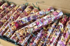 Each Flinger is designed to be used by 1 wedding guest and confetti can be thrown without needing andy hands to touch the petals themselves. With so many restrictions on Weddings at the moment, Confetti is something you definately CAN HAVE! ...... HOORAY!