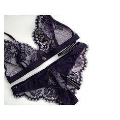 Resultado de imagem para lingerie preta discreta sem modelo