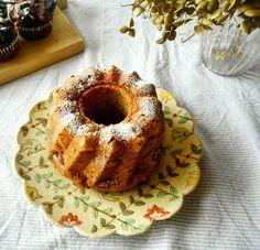 Instagram media by 1120moe1120 - おはようございます☺  バター不使用のココナッツオイルとバナナのケーキを今回はクグロフ型で。  シナモンも入れて、お砂糖少な目でも美味しい。  #パウンドケーキ#バナナケーキ#クグロフ#バナナブレッド#ココナッツオイル#シナモン#焼きっぱなし#焼き菓子#ケーキ#手作りケーキ#ココナッツケーキ#ダイエット#白砂糖不使用#バター不使用#おうちカフェ#手作りおやつ#お菓子作り#パティシエカメラ部#クッキングラム#デリスタグラマー#コッタ#馬嶋屋菓子道具店 #器#増山文#bananabread#bananacake#coconutsoil#coconutscake#baking#kouglof