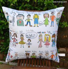 Broc Cojines personalizados con los dibujos de todos los alumnos. Regalo perfecto para los profes. www.mrbroc.com
